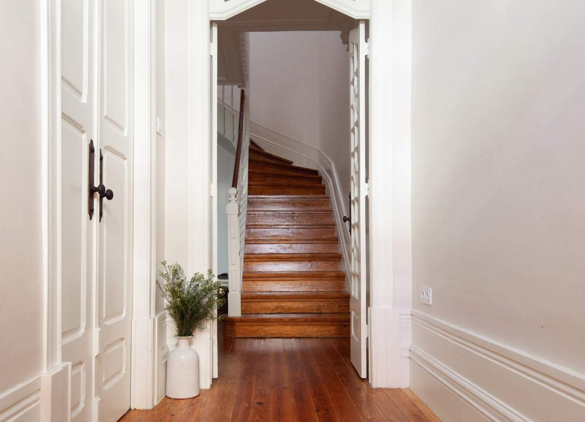 3-escadas_madeira_moradia3.jpg